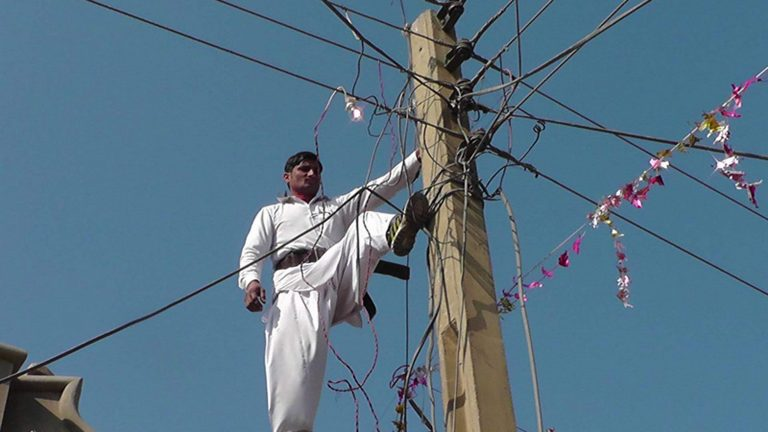 Power house 23-year-old can touch live electric wires without ...