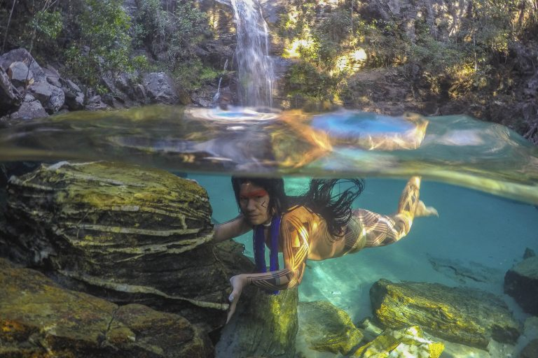 f81da20fd Incredible underwater images offer rare glimpse inside remote Brazilian  tribe