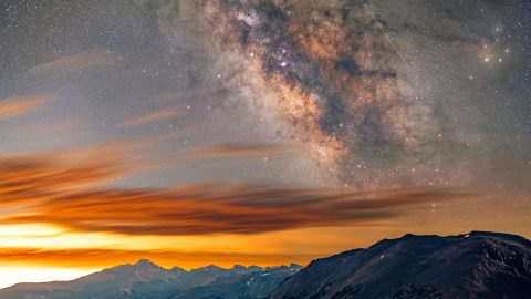 Space is leaking! Plumber captures breathtaking optical illusion of milky way 'volcano erupting' Image