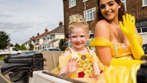 Brave four year old spends day as princess and rides in horse-drawn carriage to celebrate beating cancer Image