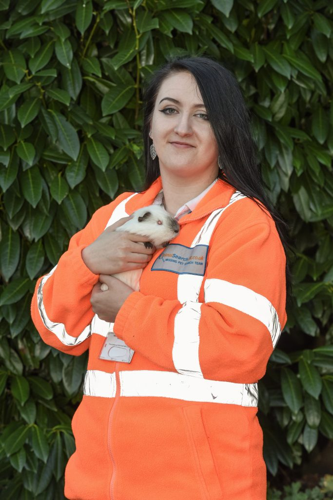 Real life Ace Ventura! Girl, 20, is rookie pet detective – searching