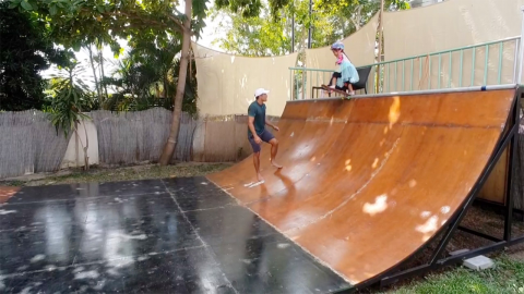 Adorable three-year-old skateboarder drops down six-foot-tall ramp more than twice her height Image