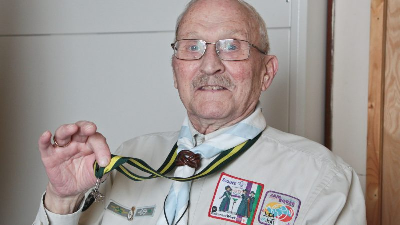 ADORED SCOUT LEADER WHO WAS GOING TO HAVE TO RETIRE AFTER 70 YEARS HAS BEEN GIFTED A MOBILITY SCOOTER BY HIS TROOP TO KEEP GOING Image
