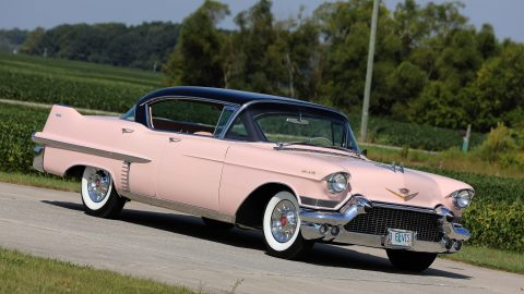 MONEY HONEY! ELVIS PRESLEYS ICONIC PINK CADILLAC GOES UP FOR AUCTION Image