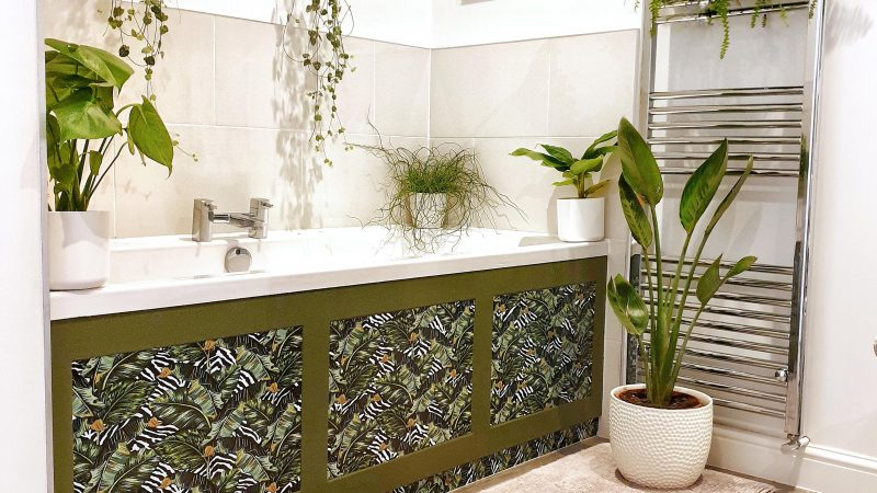 SAVVY DIY LOVER TRANSFORMS BORING BATHROOM INTO INSTA-WORTHY PLANT PARADISE FOR JUST £167 – BY USING STICKY BACK VINYL Image