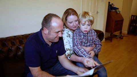 FIVE YEAR OLD WITH DEMENTIA WHO HAD FORGOTTEN HIS PARENTS NOW RECOGNISES THEM Image