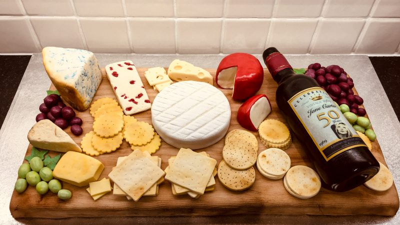 MUM TRICKS PALS WITH CHEESEBOARD WITH A TWIST - EVERYTHING IS MADE OF CAKE Image