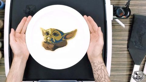 TALENTED PANCAKE ARTISTS TURN MOVIE CHARACTERS AND MUSICIANS INTO CREPES Image