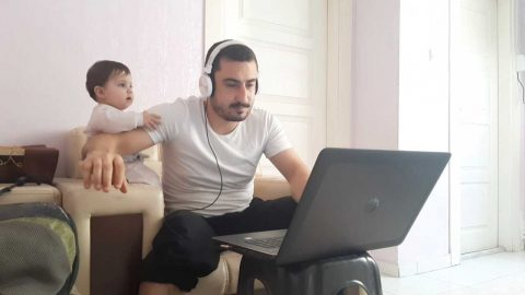 FATHER TRIES TO WORK FROM HOME BUT HIS DAUGHTER HAS OTHER IDEAS Image