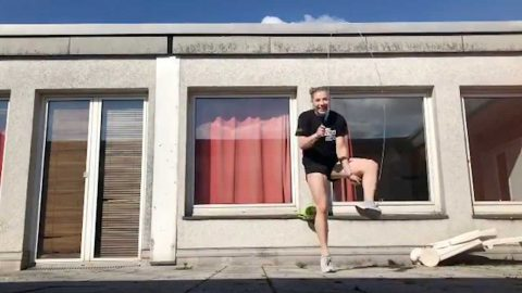 JUMPING FOR JOY: PRO JUMP-ROPE ATHLETE PUTS ON AMAZING DISPLAY Image