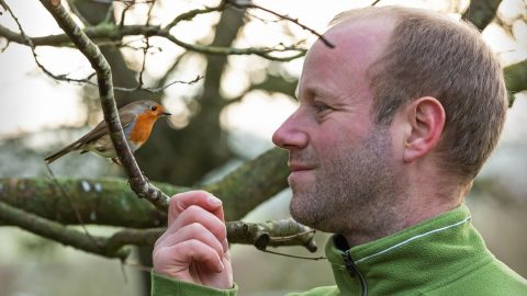 MANS BEST FRIEND – GARDENER FORMS UNBREAKABLE RELATIONSHIP WITH ROBIN Image