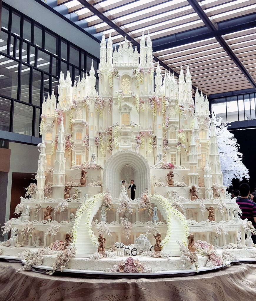 World S Most Extravagant Wedding Cakes For Budget Busting Brides