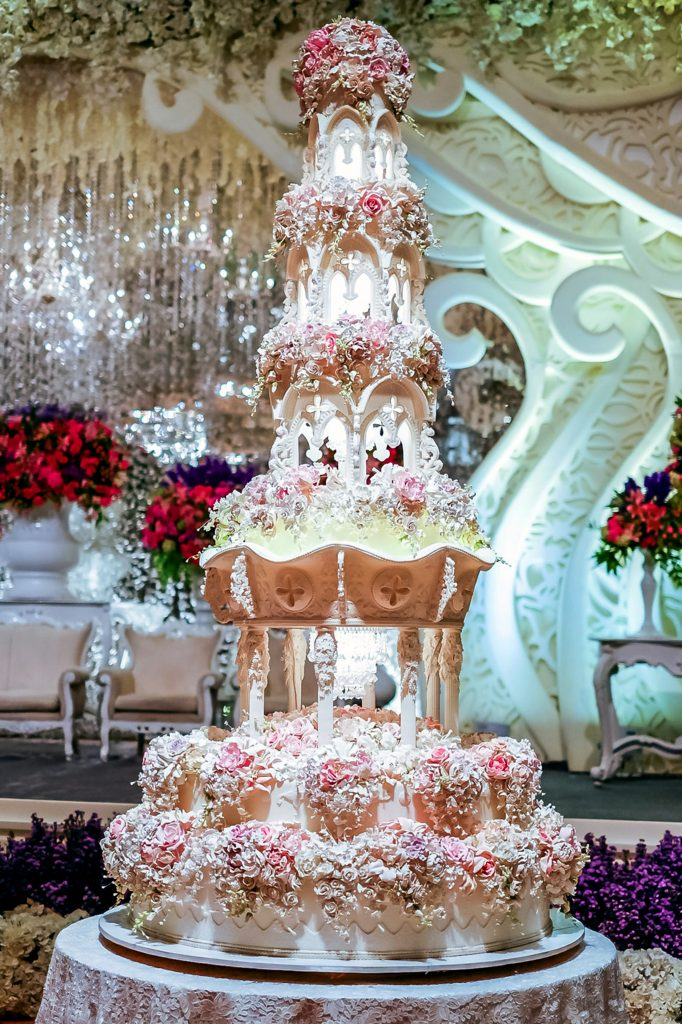 World's most extravagant wedding cakes for budget busting brides