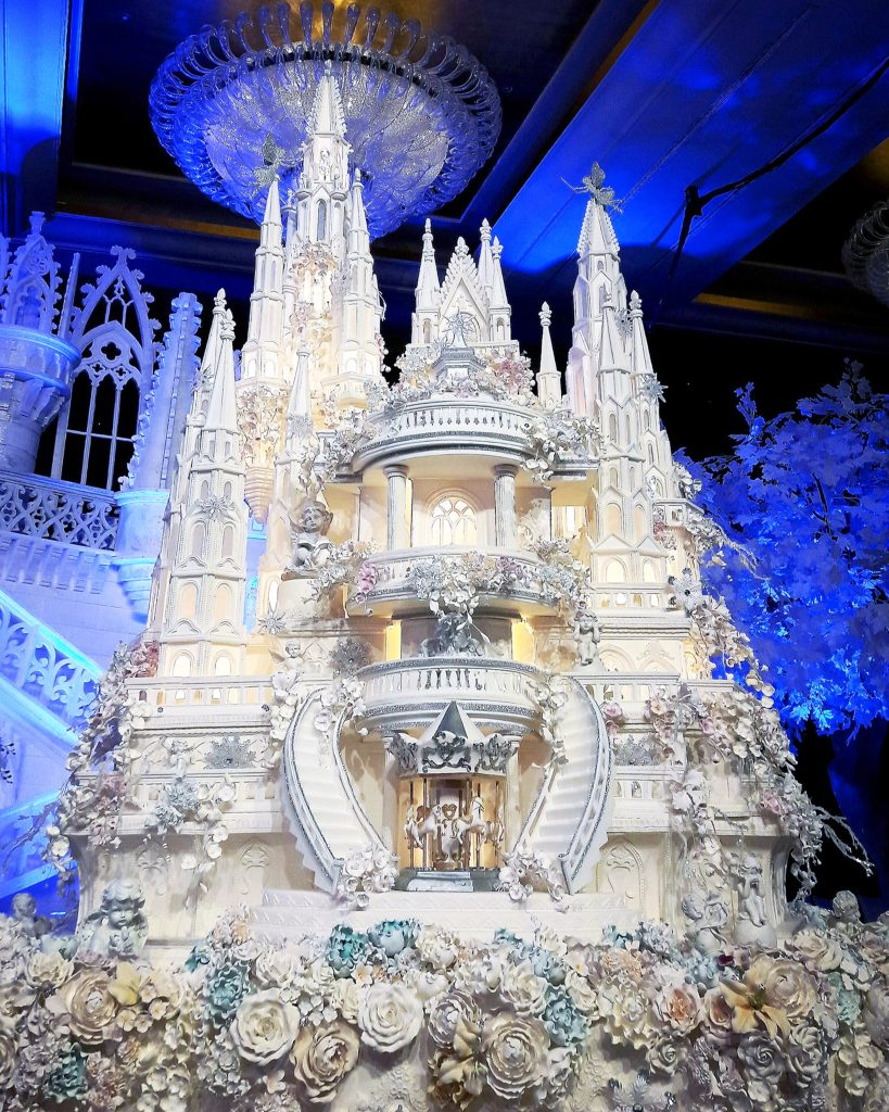 World\'s most extravagant wedding cakes for budget-busting brides ...