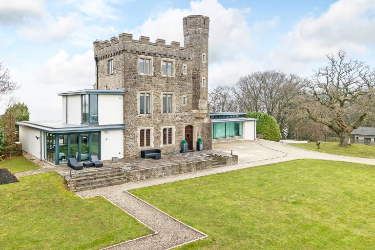 That S A Grand Design Luxury 18th Century Folly Featured On Hit Channel 4 Show For Sale For 1 95m