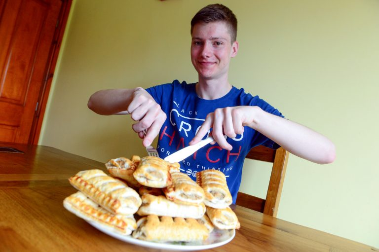 » On a roll! Uk's fussiest teenager who only ate sausage ...