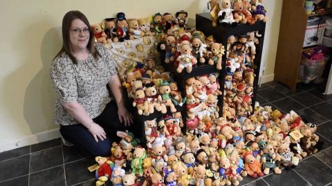 Winnie-the-pooh-mad mum has no room for kids' toys as she displays huge collection of bears Image
