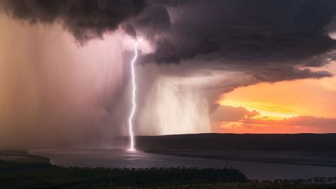 Amazing imagery shows 'apocalyptic' Aussie sunset storm Image