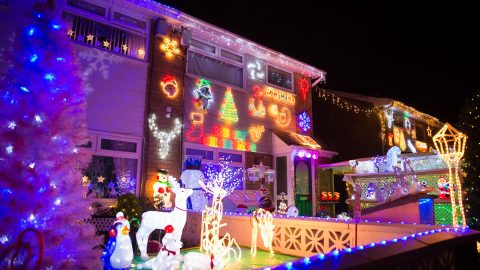 Christmas crazy couple spend five weeks covering house in lights – for twentieth year in a row Image