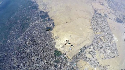 """""""That's a phar-aoh way to fall! Skydivers become the first civilians ever to fly directly over pyramids of Giza Image"""