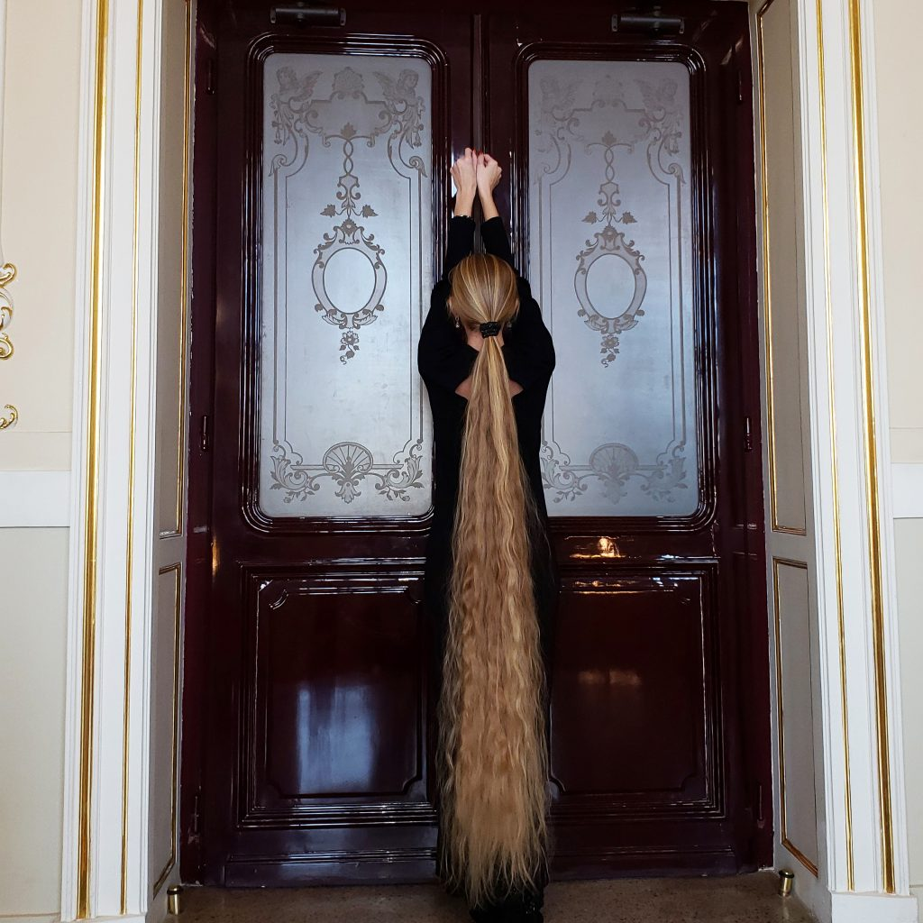 The mane attraction! This real-life Rapunzel hasn't had a ...