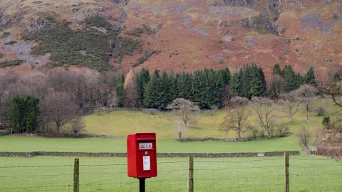 Postman pap – Travelling photographer snaps Britain's most intriguing and remote post boxes Image