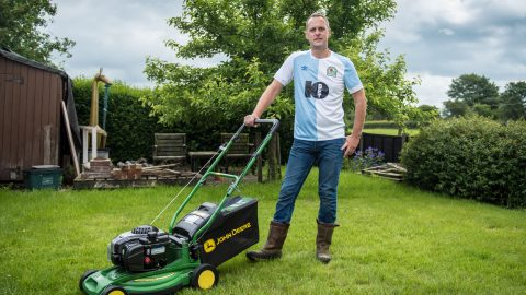 A cut above the rest! Dad who set lawnmower world record after travelling length of britain is at it again – by attempting to mow furthest distance in 24 hours Image