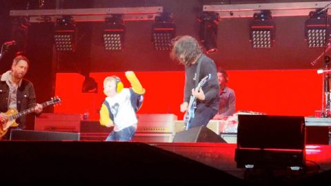 FIVE-YEAR-OLD BECOMES ROCKSTAR FOR THE NIGHT BY DANCING ON STAGE WITH THE FOO FIGHTERS AT HIS FIRST EVER CONCERT Image