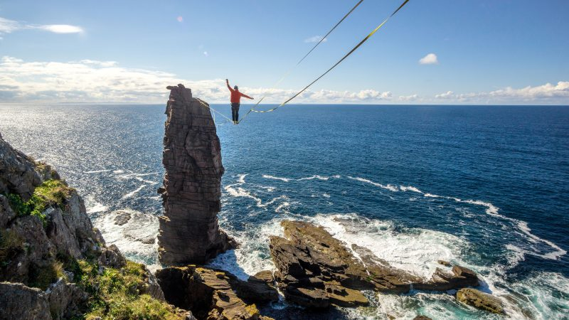 WATCH YOUR STEP! EPIC PHOTOS SHOW INCREDIBLE SLACKLINE OF HE OLD MAN OF STOER Image