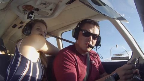 COOL-HEADED AMATEUR PILOT SUCCESSFULLY COMPLETES EMERGENCY LANDING WITH FAMILY ONBOARD AFTER MAJOR TECHNICAL ISSUE Image