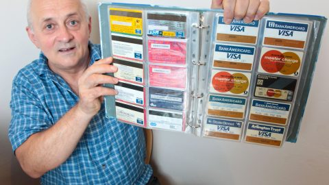 FORMER TUBE ENGINEER SPENDS £10,000 ON COLLECTION OF OYSTER CARDS (AND THEY DONT HAVE ANY MONEY ON THEM) Image