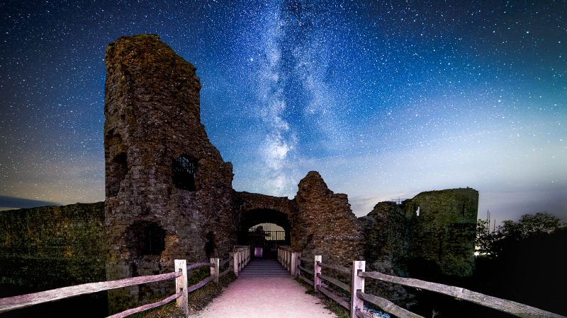SEE BRITAIN'S BRIGHTEST STARS LIKE YOU'VE NEVER SEEN THEM BEFORE Image